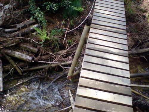 Brüchige Brücke
